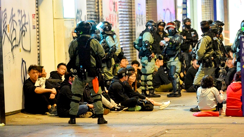 Cảnh sát HK bắt người bừa bãi vào năm mới khiến người nhà phải cực khổ tìm kiếm (ảnh 1)